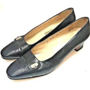 Salvatore ferragamo black leather Pumps 10.5C